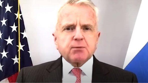 السفير الأمريكي في موسكو يعلق على نشر السفارة مواد عن احتجاجات 23 يناير