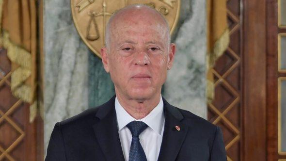 الرئاسة التونسية تتلقى ظرفا مشبوها يحتوي على مسحوق وتفتح تحقيقا