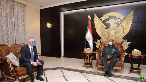 """البرهان يوضح لقيادة """"أفريكوم"""" الأمريكية حقيقة انتشار القوات السودانية على الحدود الإثيوبية"""