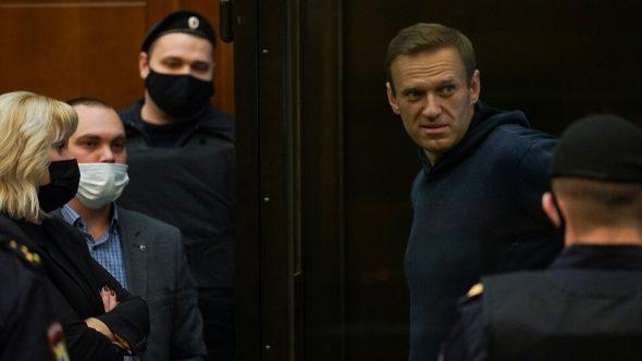 القضاء الروسي يحكم على نافالني بالسجن 3,5 سنة