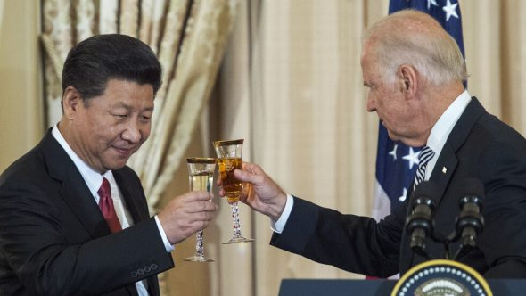 بايدن يجري أول اتصال مع الرئيس الصيني