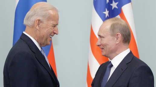 آخر رؤوساء الاتحاد السوفيتي يدعو بوتين وبايدن للتفاوض