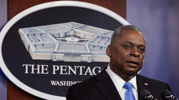 وزير الدفاع الأمريكي يجري اتصالا بولي العهد السعودي