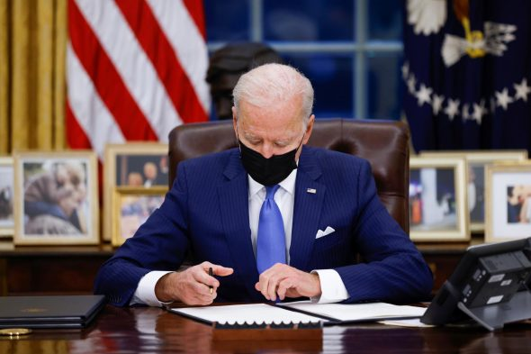 بايدن: يوضح موقفه  لن نرفع العقوبات المفروضة على إيران قبل أن توقف تخصيب اليورانيوم