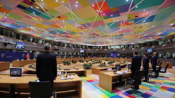 مسؤولون : منطقة اليورو بصدد خفض الدعم الاقتصادي