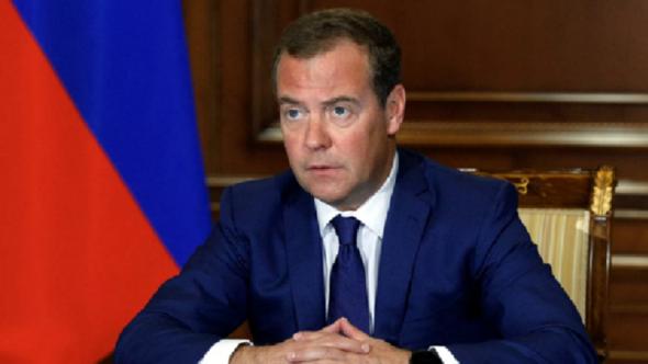 مدفيديف : لدينا إمكانيات لتشغيل الجزء الروسي من الإنترنت (Runet) بشكل مستقل لكن لن ندفع بهذا الاتجاه