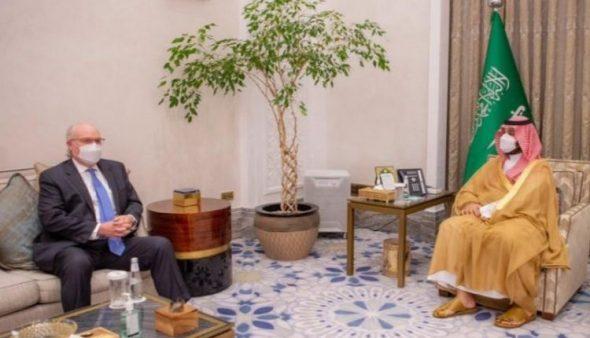 للتوصل إلى شامل في اليمن ..بن سلمان يلتقي ليندر كينغ