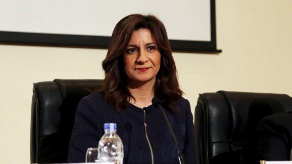مصر.. وزيرة الهجرة تنهي أزمة فتاة مصرية عالقة بمطار الدوحة