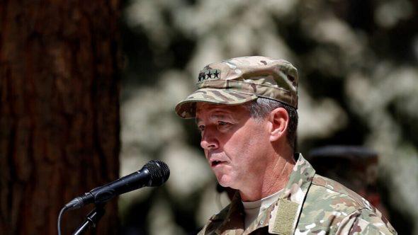 """قائد الناتو في أفغانستان يحذر """"طالبان"""" من مهاجمة القوات الأجنبية"""