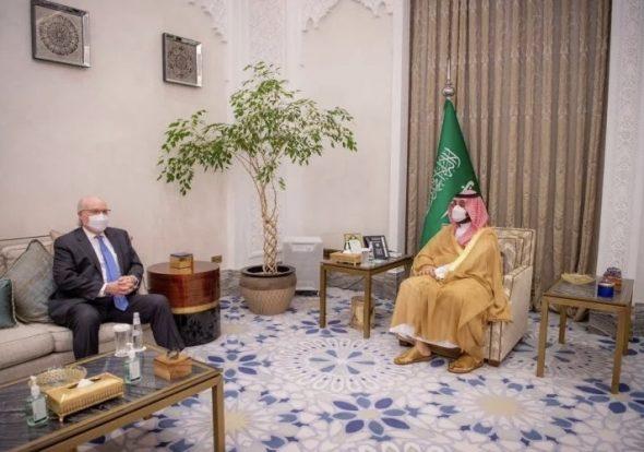 واشنطن : مباحثات ليندركينغ في السعودية تناولت المسارين السياسي والإنساني باليمن