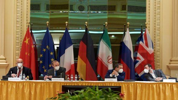 """""""رويترز"""": فرنسا وألمانيا وبريطانيا لا ترى ضمانة لنجاح المحادثات بشأن ملف إيران النووي"""