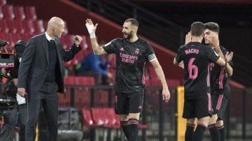 """موندو ديبورتيفو"": زيدان قرر الرحيل عن ريال مدريد"